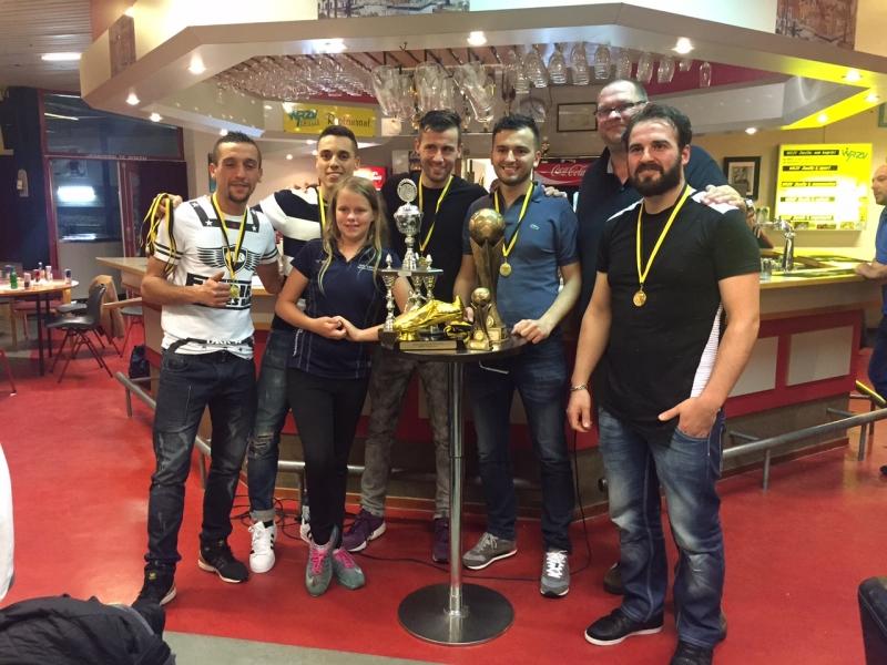 webdesign zwolle prijsuitreiking met VT Benz als WRZV kampioen 2016